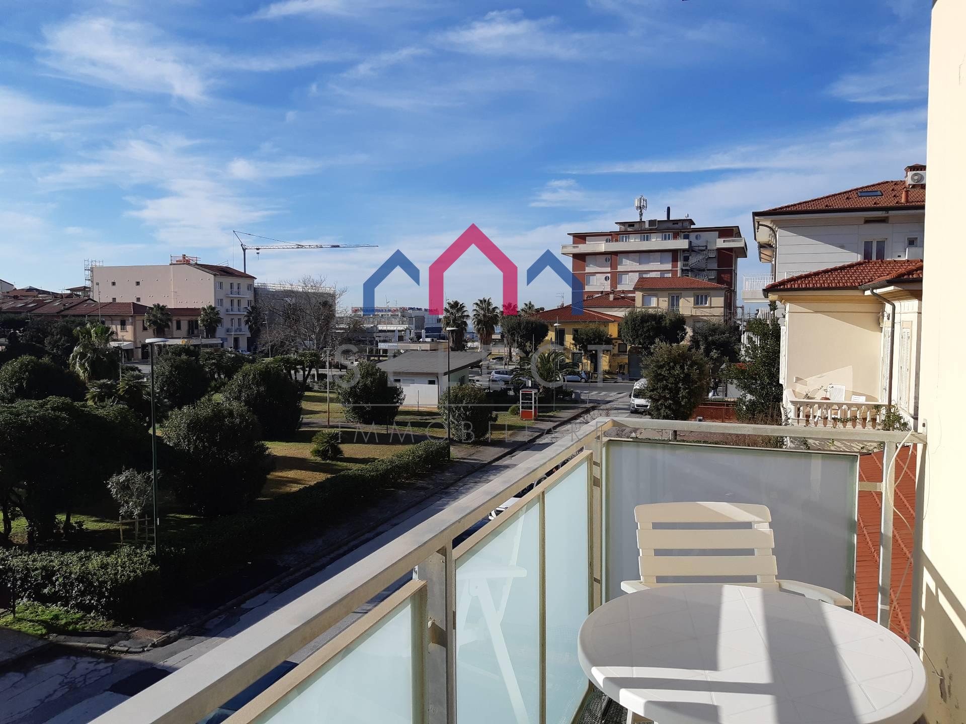 vendita appartamento camaiore lido di camaiore  300000 euro  3 locali  65 mq
