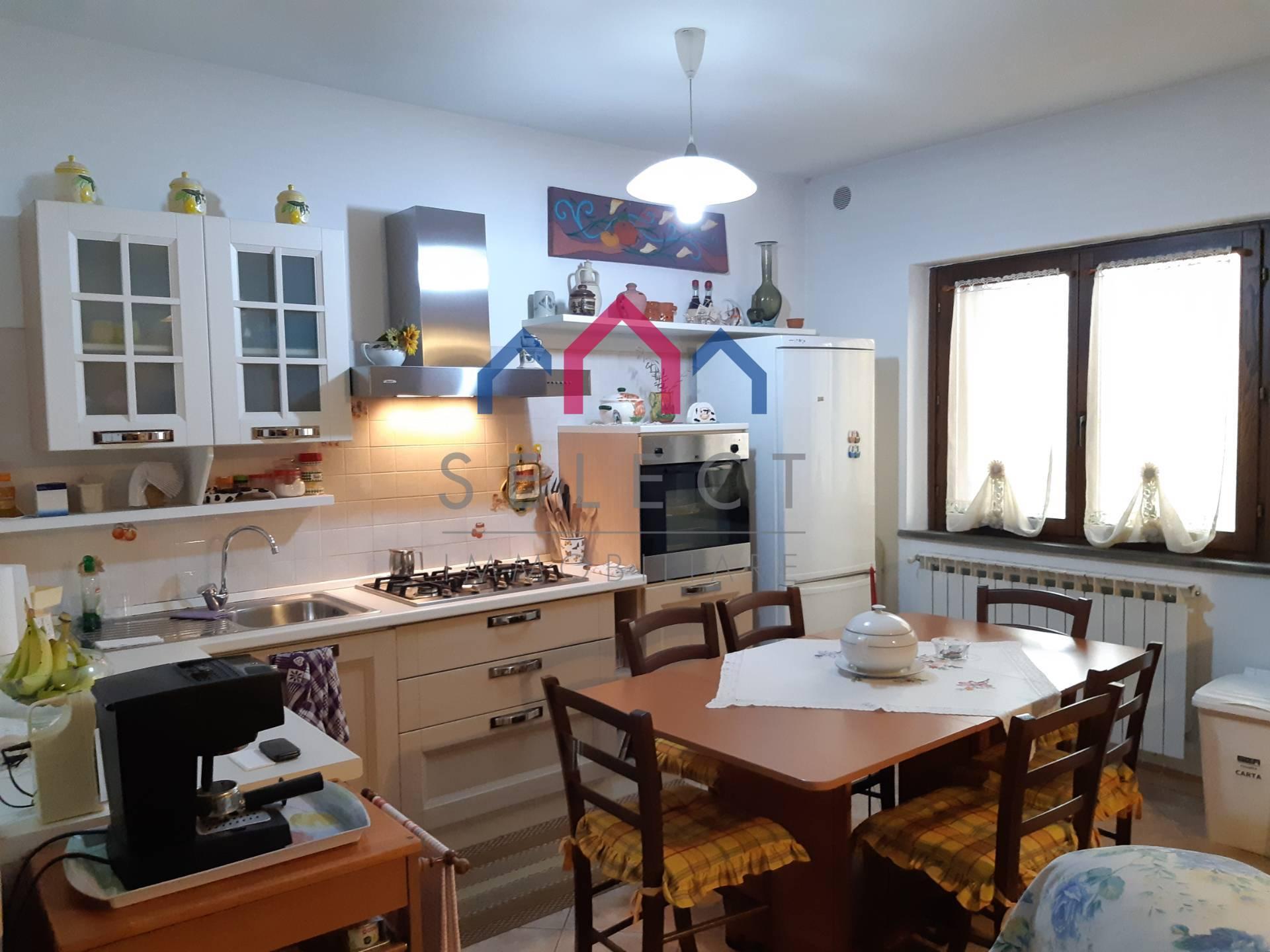 Appartamento in vendita a Gallicano, 2 locali, prezzo € 75.000 | PortaleAgenzieImmobiliari.it