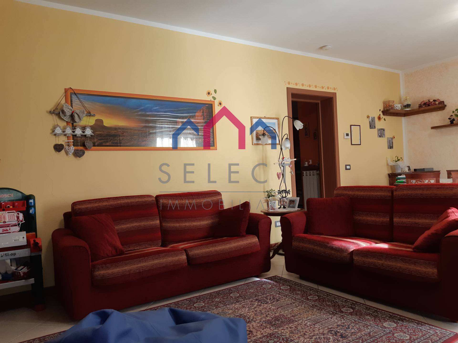 Appartamento in vendita a Coreglia Antelminelli, 4 locali, zona Zona: Ghivizzano, prezzo € 120.000 | CambioCasa.it