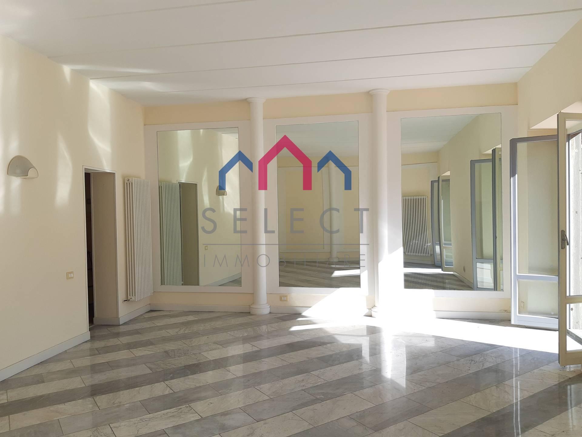 Appartamento in vendita a Borgo a Mozzano, 4 locali, zona Località: capoluogo, prezzo € 135.000   PortaleAgenzieImmobiliari.it