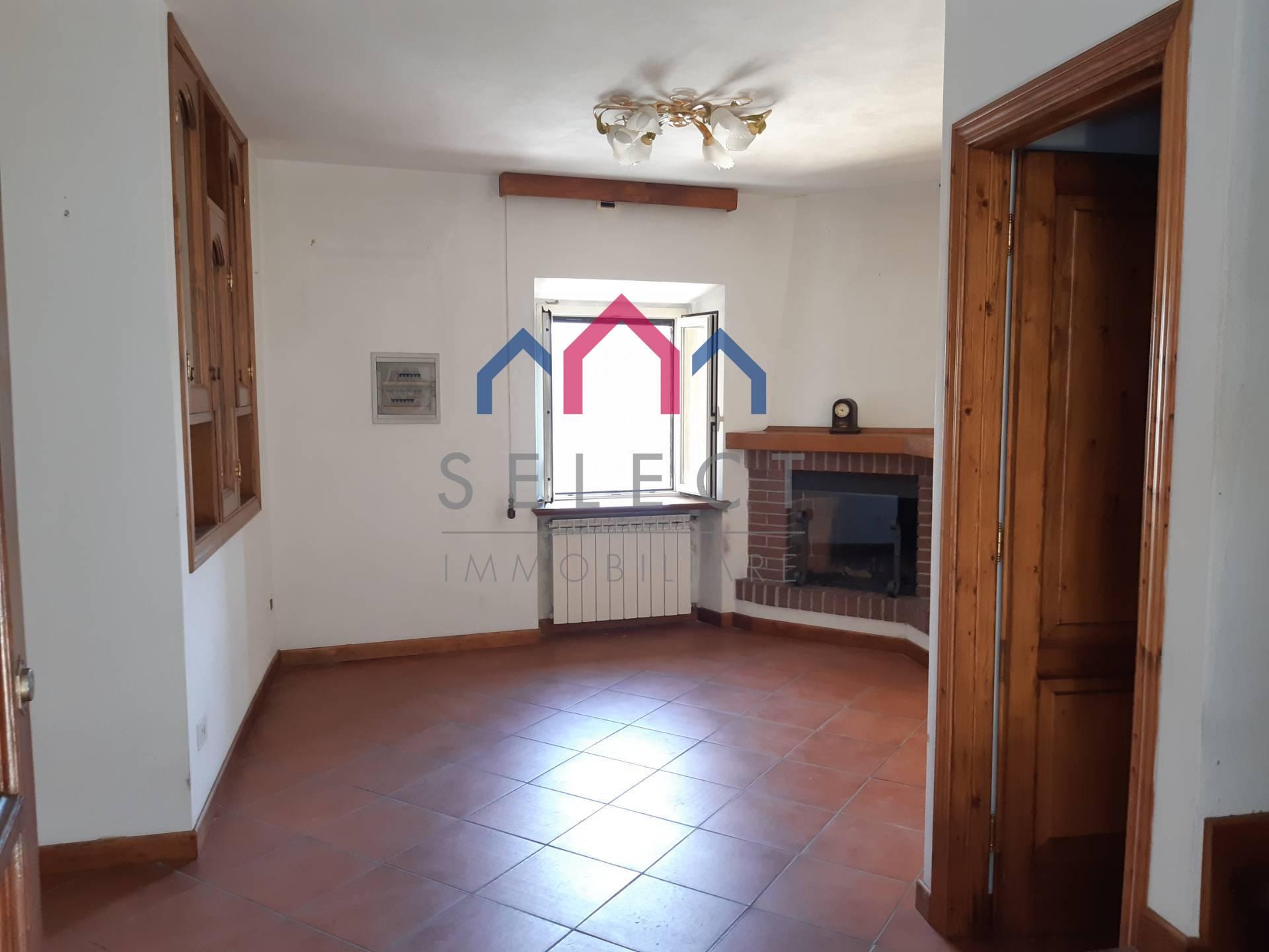Soluzione Semindipendente in vendita a Bagni di Lucca, 4 locali, zona Zona: Lugliano, prezzo € 65.000 | CambioCasa.it