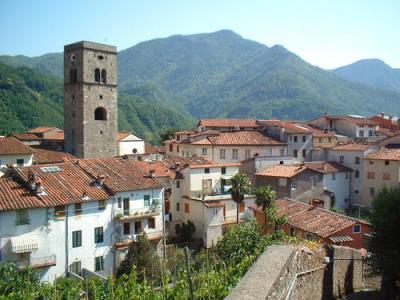 Negozio in Affitto/Vendita a Borgo a Mozzano