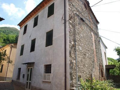 Casa indipendente in Vendita a Borgo a Mozzano