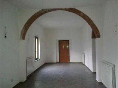 Fondo commerciale in Vendita a Bagni di Lucca