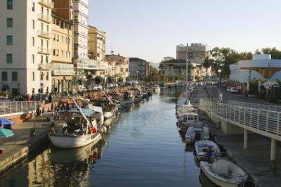 Fondo commerciale in Affitto/Vendita a Viareggio