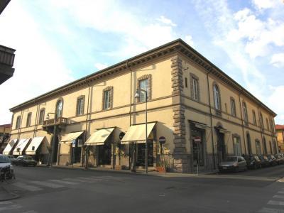 Fondo commerciale in Affitto a Viareggio