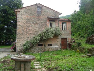 Casa singola in Vendita a Bagni di Lucca