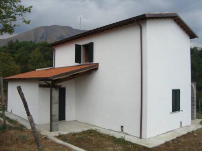 Villino in Vendita a Bagni di Lucca
