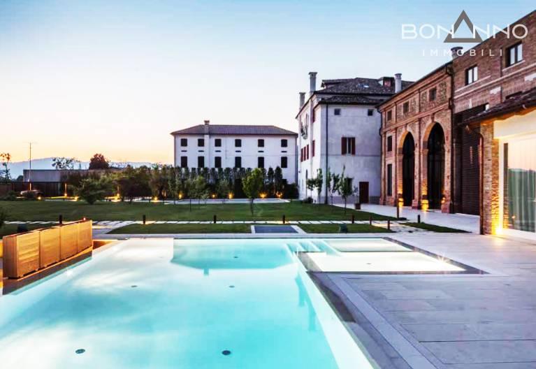 Villa in affitto a Trevignano, 20 locali, prezzo € 950 | CambioCasa.it