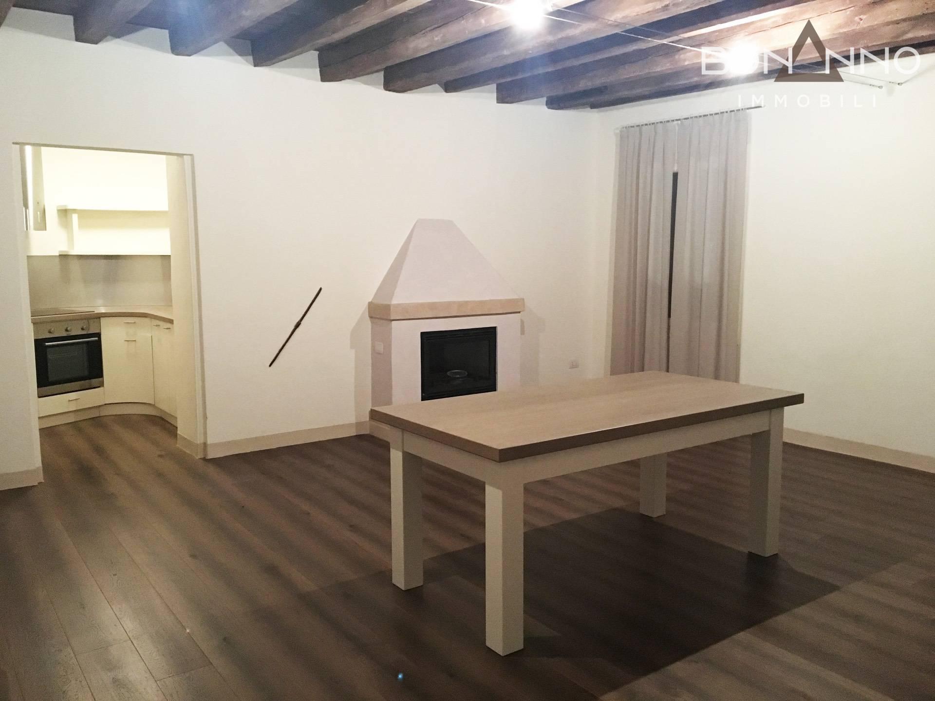 Appartamento in affitto a Trevignano, 3 locali, prezzo € 950 | CambioCasa.it