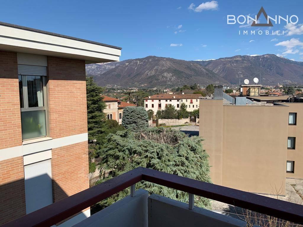 Attico / Mansarda in vendita a Bassano del Grappa, 6 locali, prezzo € 310.000   PortaleAgenzieImmobiliari.it