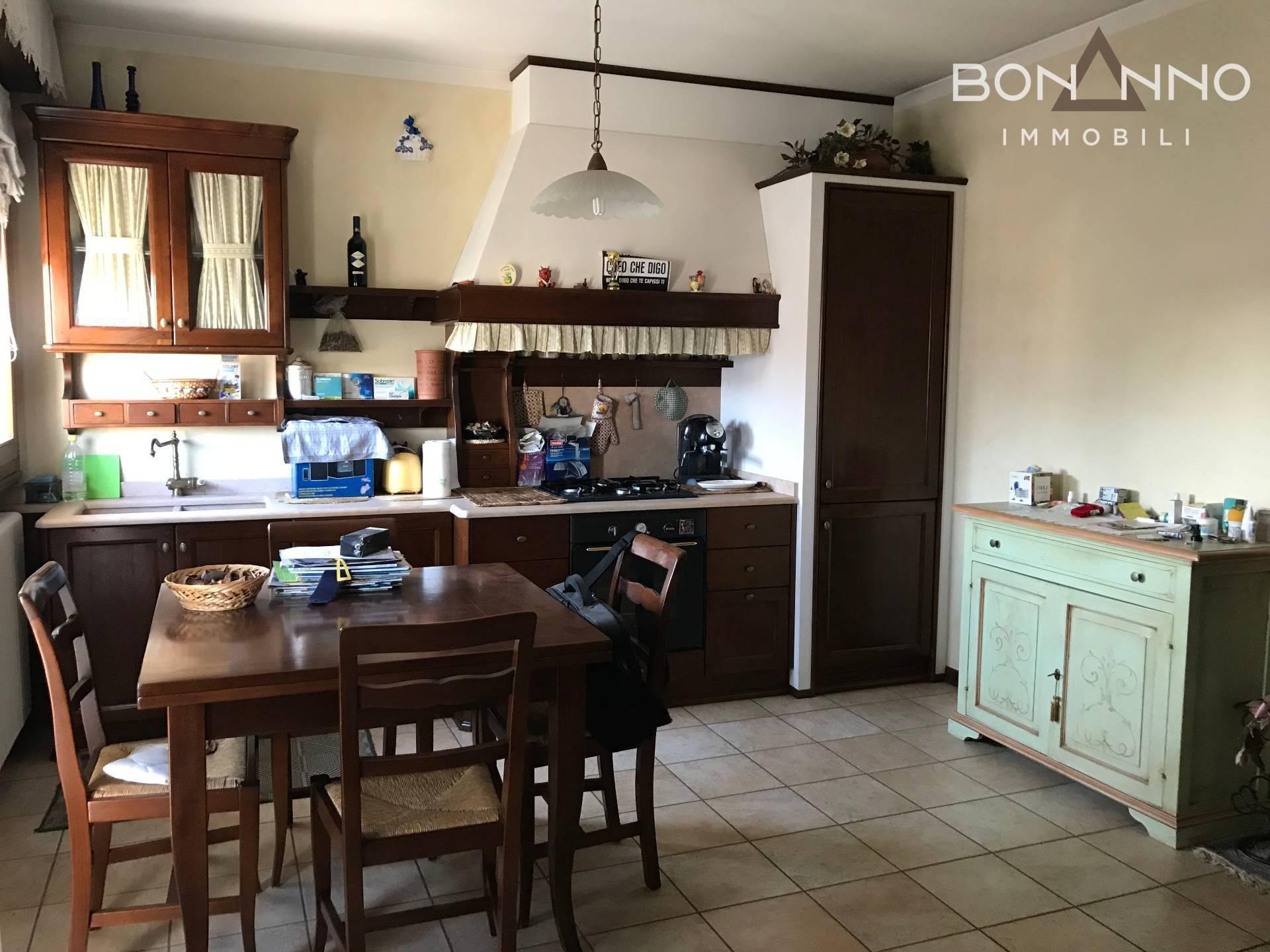 Appartamento in vendita a Carmignano di Brenta, 2 locali, prezzo € 120.000   PortaleAgenzieImmobiliari.it