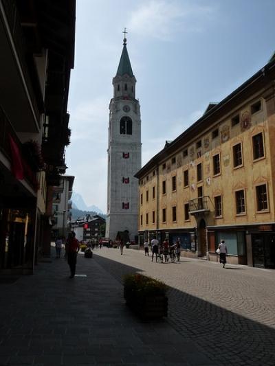 Locale commerciale in Affitto a Cortina d'Ampezzo