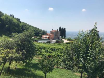 Rustico in Vendita a Vittorio Veneto