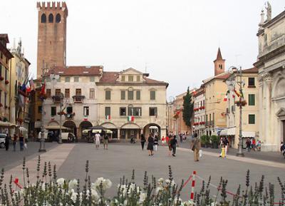 Locale commerciale in Vendita a Bassano del Grappa
