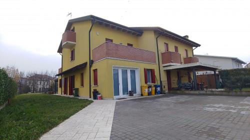 Bifamiliare in Vendita a San Pietro in Gu