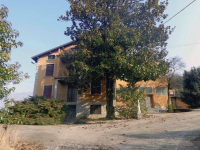 Villa in Vendita a Gemonio