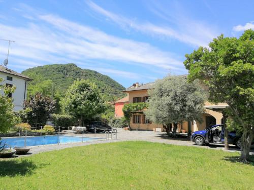 Villa in Vendita a Brusimpiano