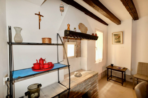 Two-Room Flat for Rent to Venezia