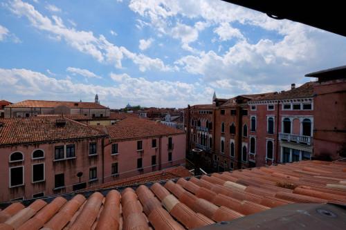 Appartamento in Affitto a Venezia