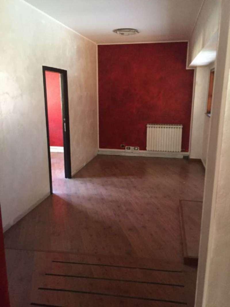 Ufficio / Studio in affitto a Rivoli, 9999 locali, zona Località: CentroStorico, prezzo € 750 | CambioCasa.it