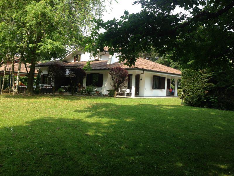 Villa in vendita a Alpignano, 8 locali, zona Località: Belvedere, prezzo € 890.000 | CambioCasa.it