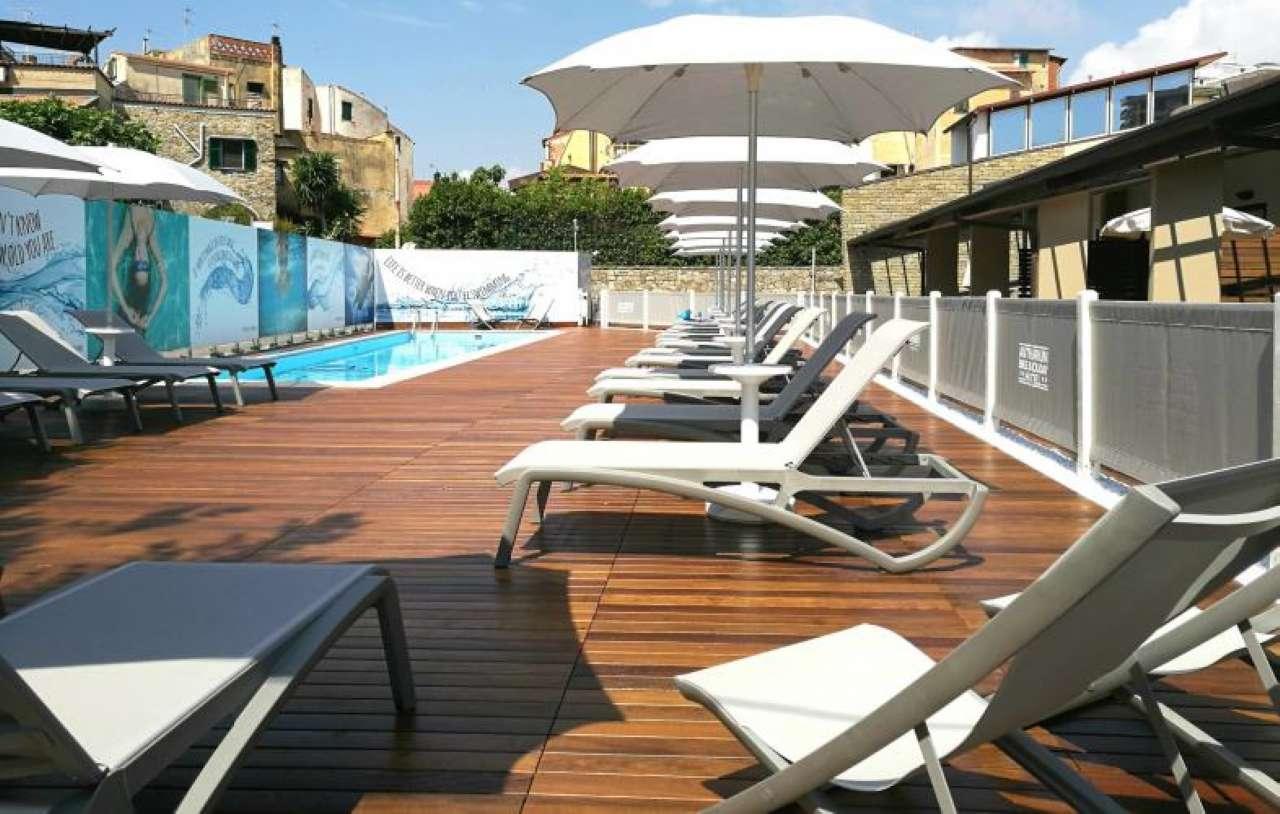 Negozio / Locale in vendita a Santo Stefano al Mare, 9999 locali, zona Località: Hotel4StelleBestWestern, Trattative riservate | CambioCasa.it