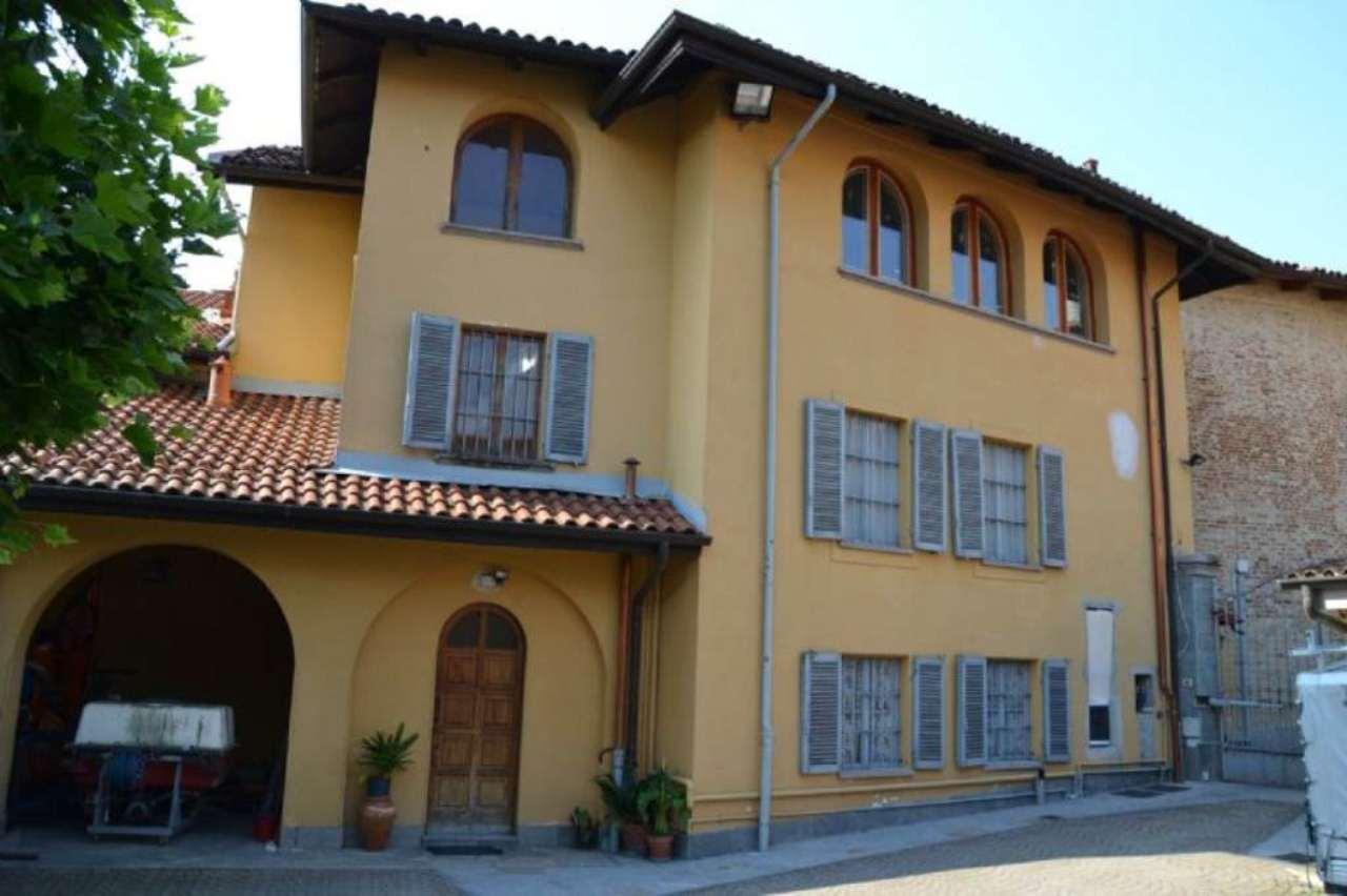 Appartamento in affitto a Pecetto Torinese, 4 locali, zona Località: Centro, prezzo € 480 | CambioCasa.it