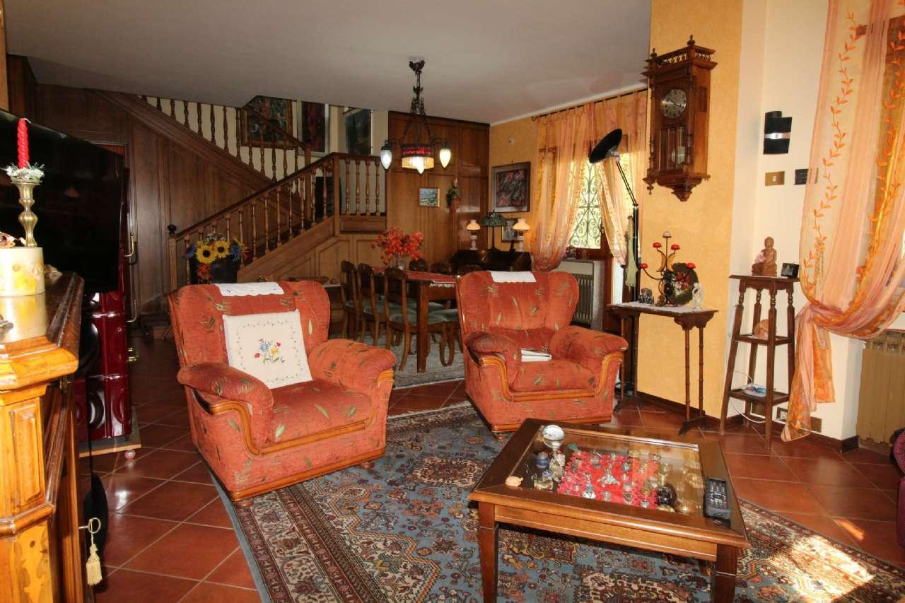 Villa in vendita a Villarbasse, 6 locali, zona Località: Semicentro, prezzo € 450.000 | CambioCasa.it