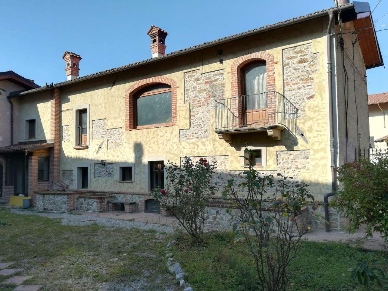 Foto 1 di Casa indipendente Via Piazza, Torre Mondovì