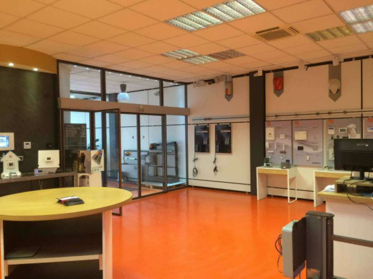 Capannone in vendita a Rivoli, 9999 locali, zona Località: CascineVica, prezzo € 550.000   CambioCasa.it