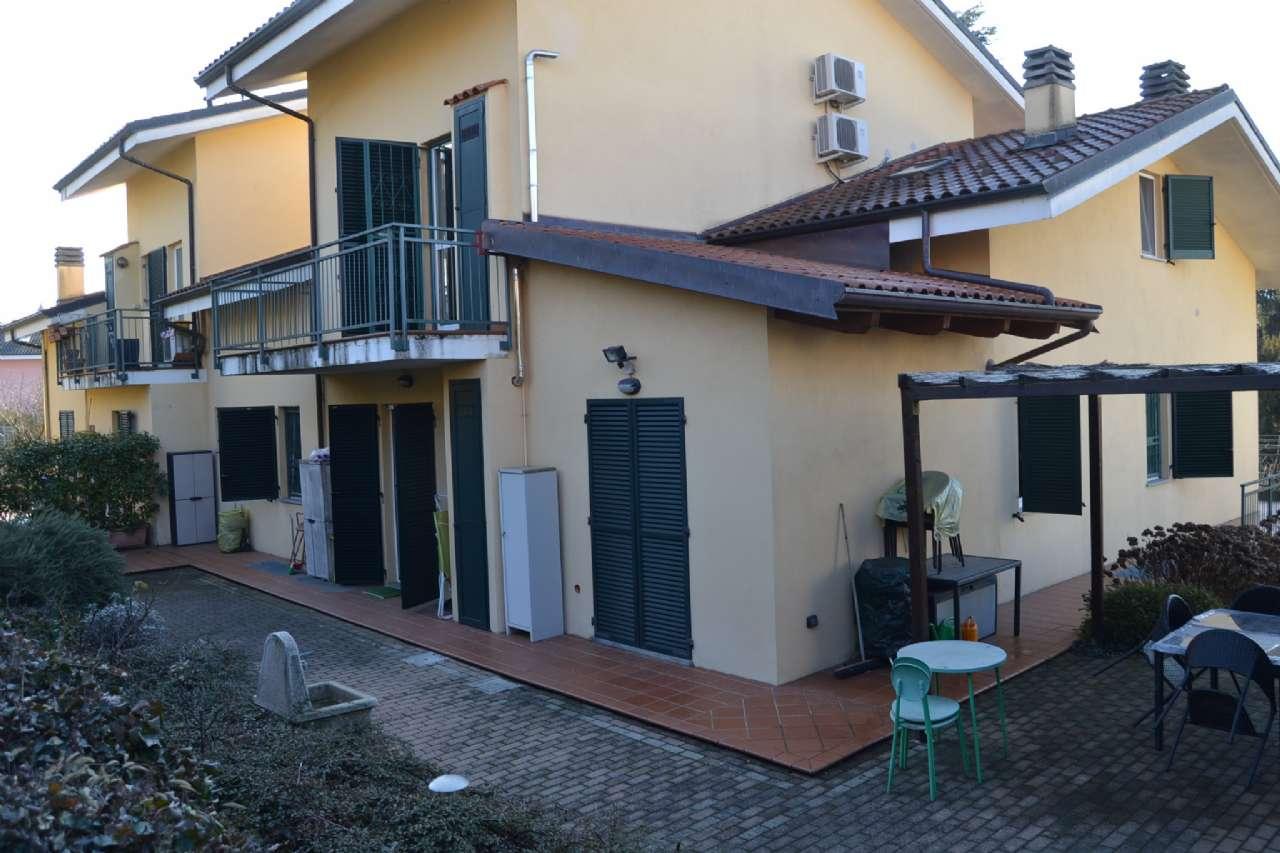 Appartamento in vendita a Trofarello, 5 locali, zona Località: Sauglio, prezzo € 300.000   CambioCasa.it