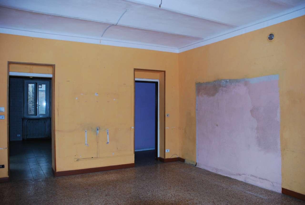 Appartamento in vendita a La Loggia, 5 locali, zona Località: Centralissima, prezzo € 69.000 | CambioCasa.it
