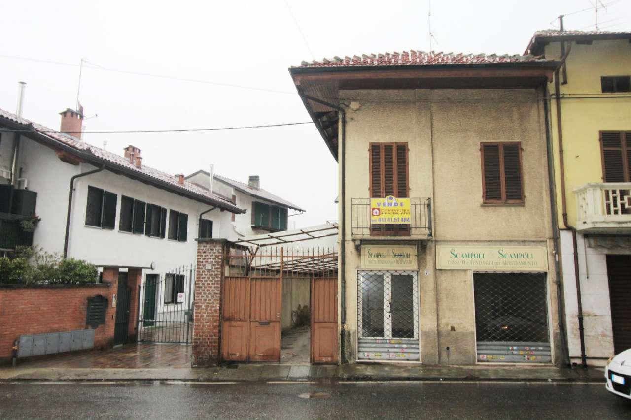 Soluzione Indipendente in vendita a Ciriè, 5 locali, zona Località: Centro, prezzo € 200.000 | CambioCasa.it