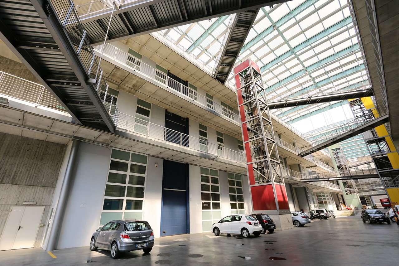 Laboratorio in affitto - 880 mq