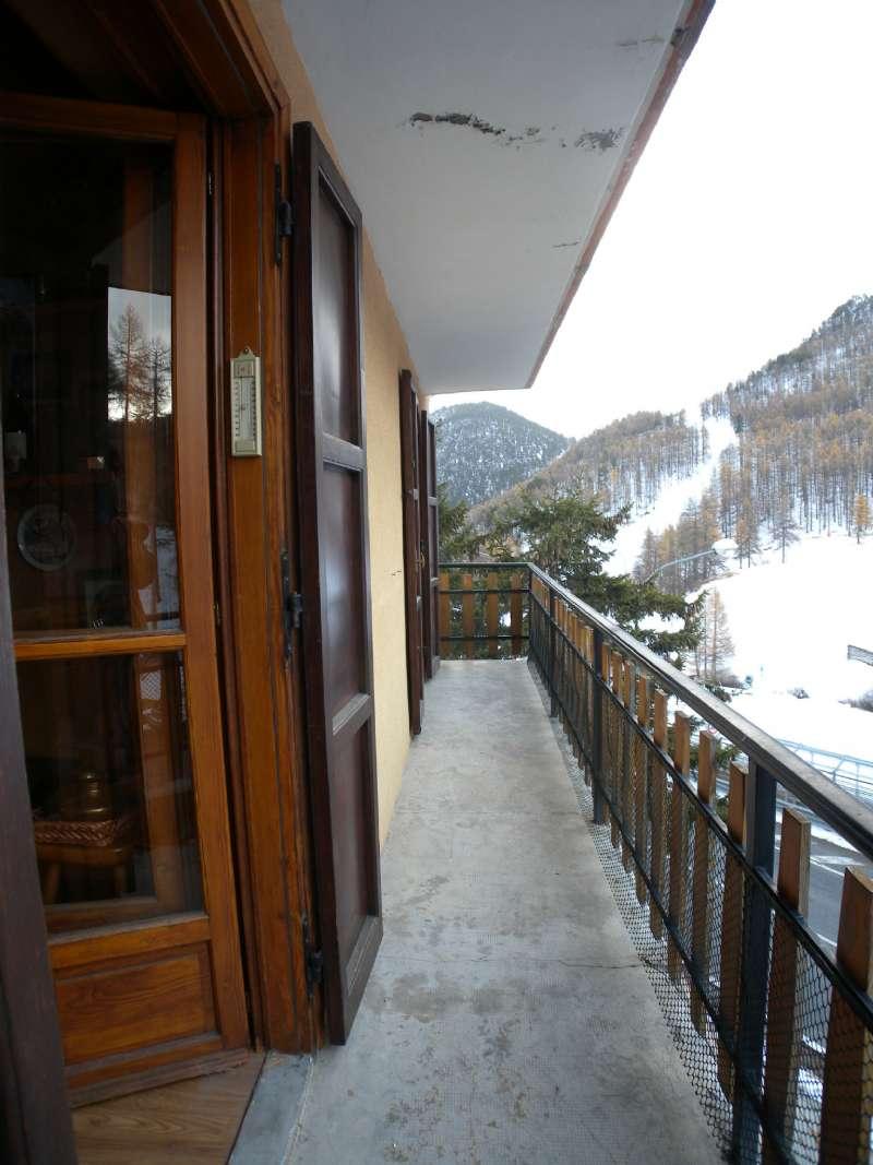 Appartamento in vendita a Claviere, 6 locali, zona Località: Montagna, prezzo € 165.000 | CambioCasa.it