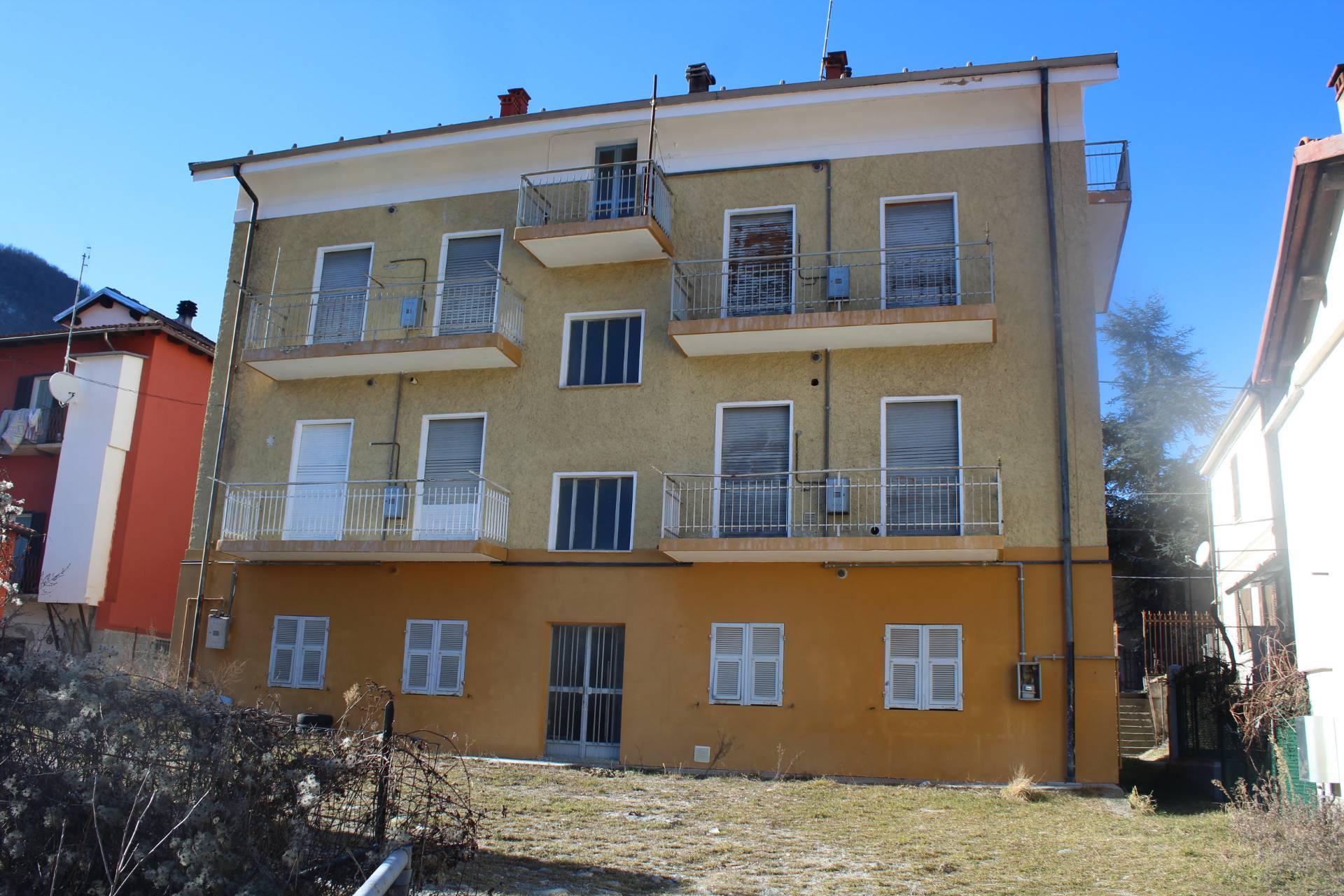 Foto 1 di Casa indipendente Via Garibaldi, Garessio