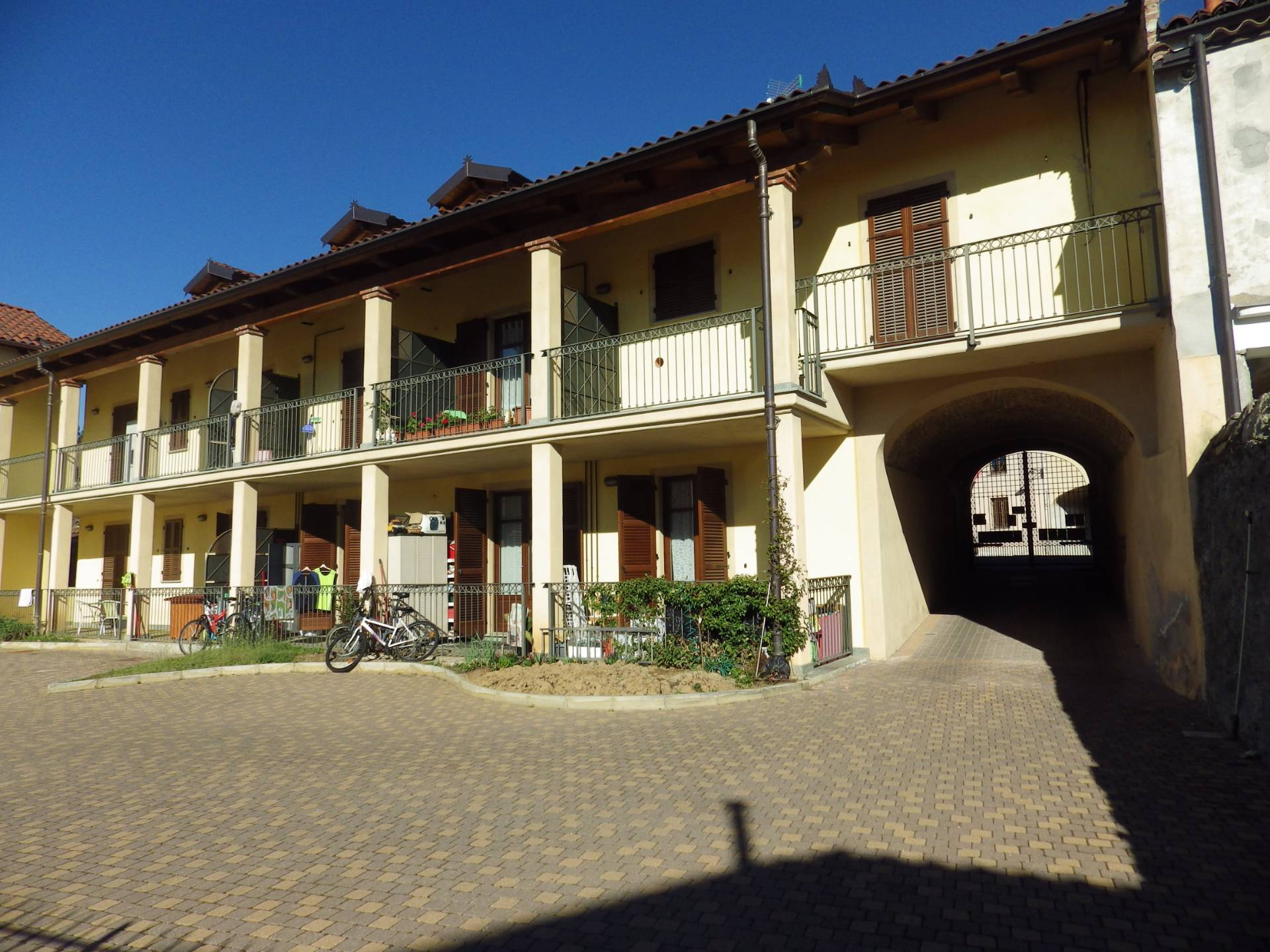 Foto 1 di Appartamento piazza del Popolo, Rosta