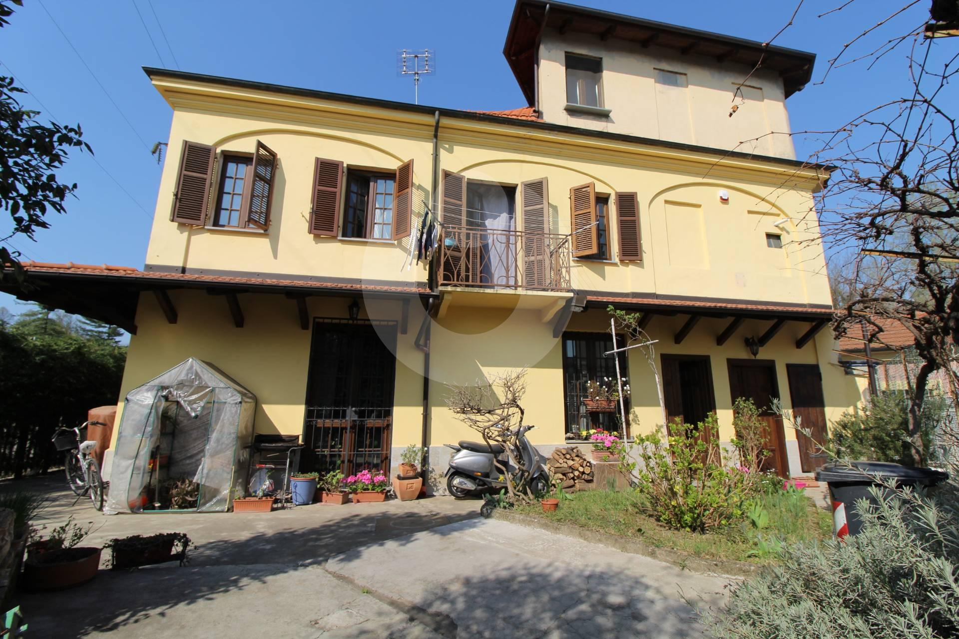 Soluzione Indipendente in vendita a Alpignano, 7 locali, prezzo € 258.000 | CambioCasa.it