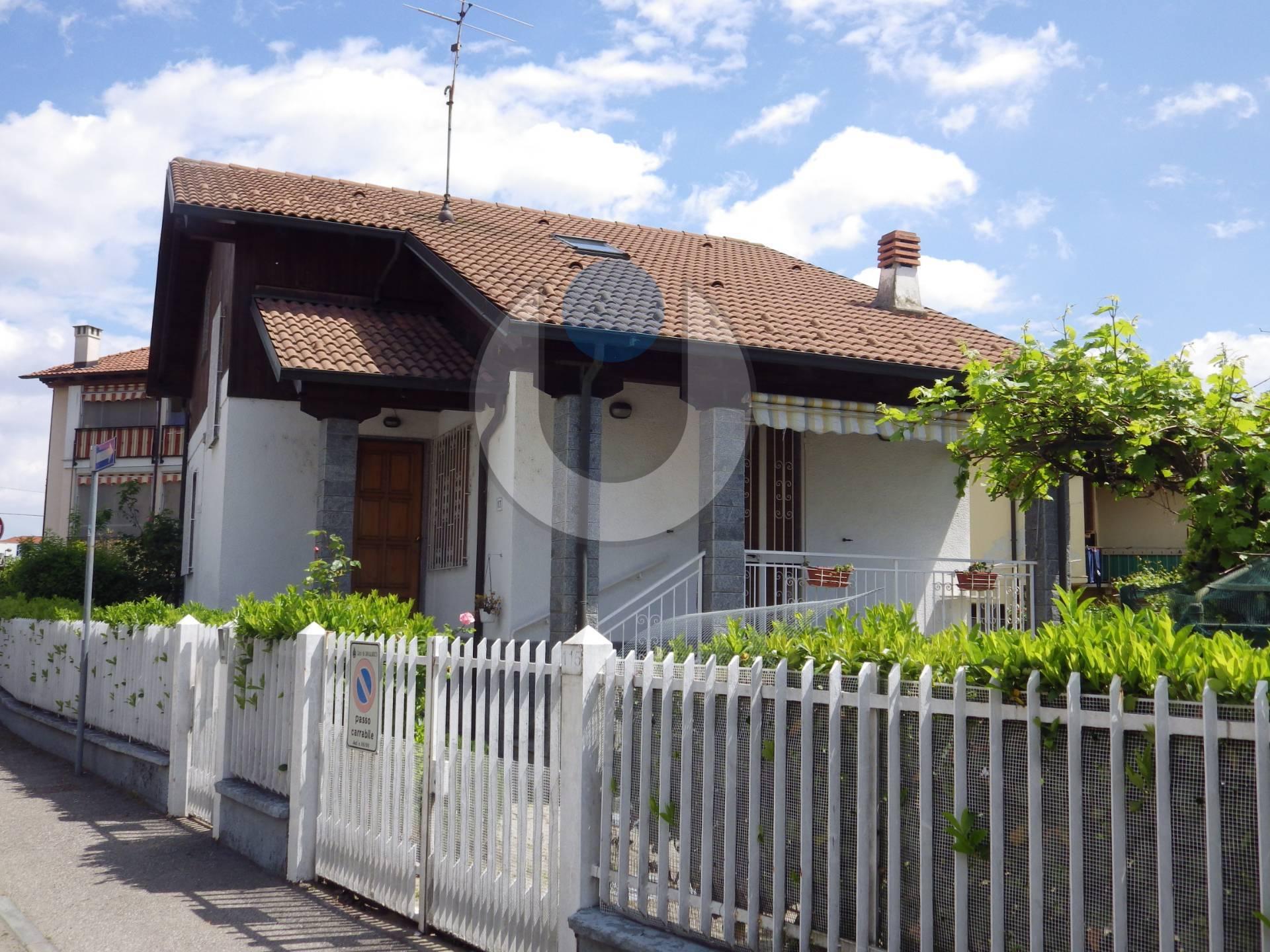 Foto 1 di Villa VIA LATINA, Grugliasco