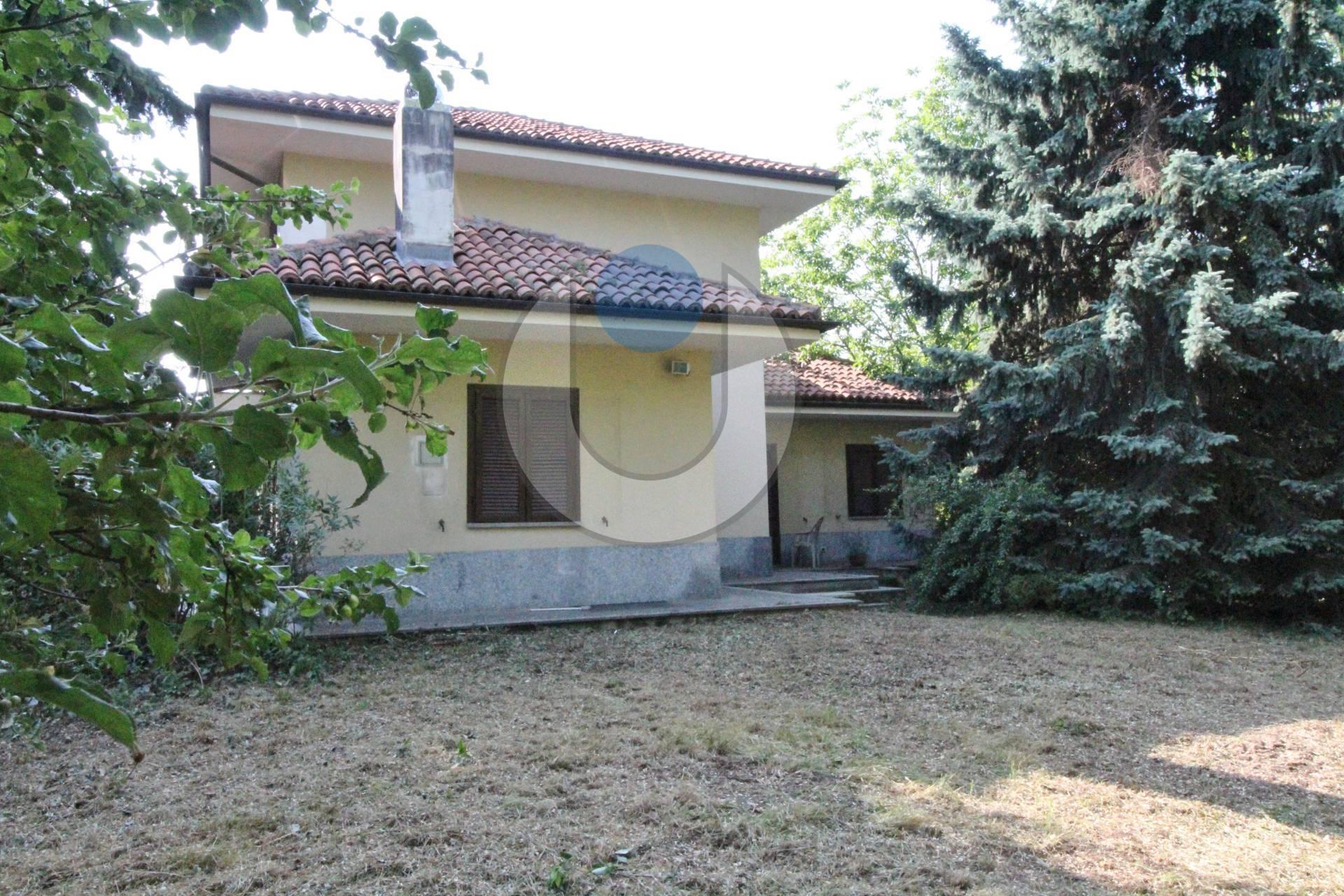 Villa in vendita a Rivoli, 6 locali, zona Località: PressiCastello, prezzo € 380.000 | CambioCasa.it