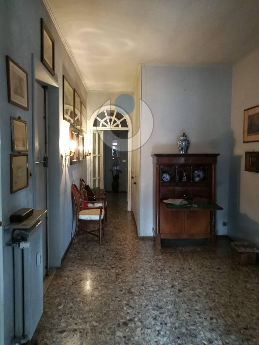 Salle De Bain Avec 2 Entrees asti, corso dante - internau monferrato