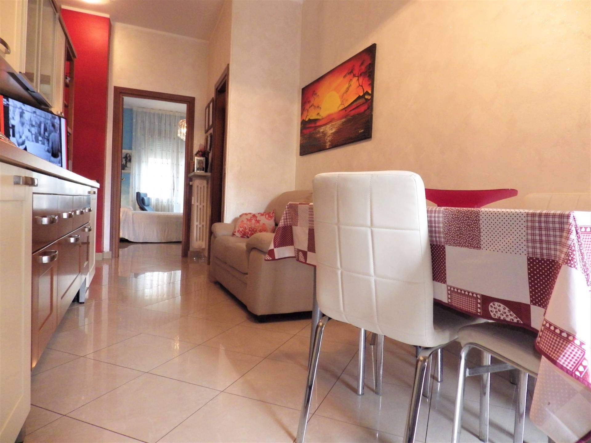 Foto 1 di Appartamento Via Crescentino, Torino