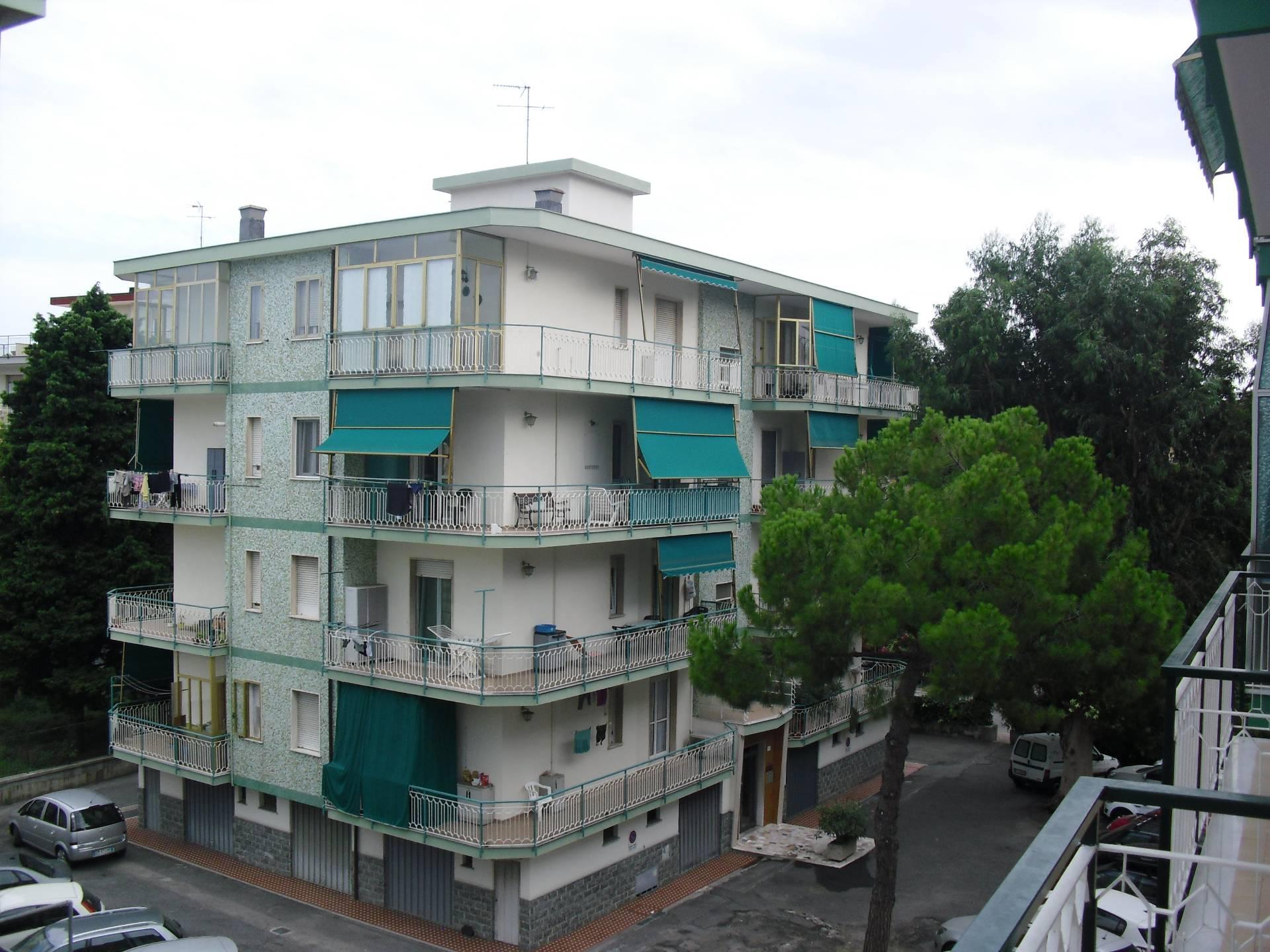 Appartamento in vendita Via Parioli Borghetto Santo Spirito