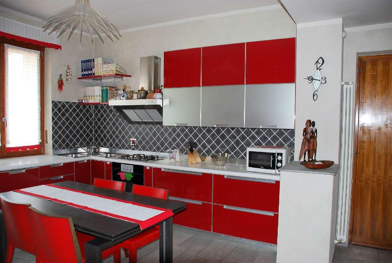 Appartamento in affitto a La Loggia, 4 locali, zona Località: Centrale, prezzo € 600   PortaleAgenzieImmobiliari.it