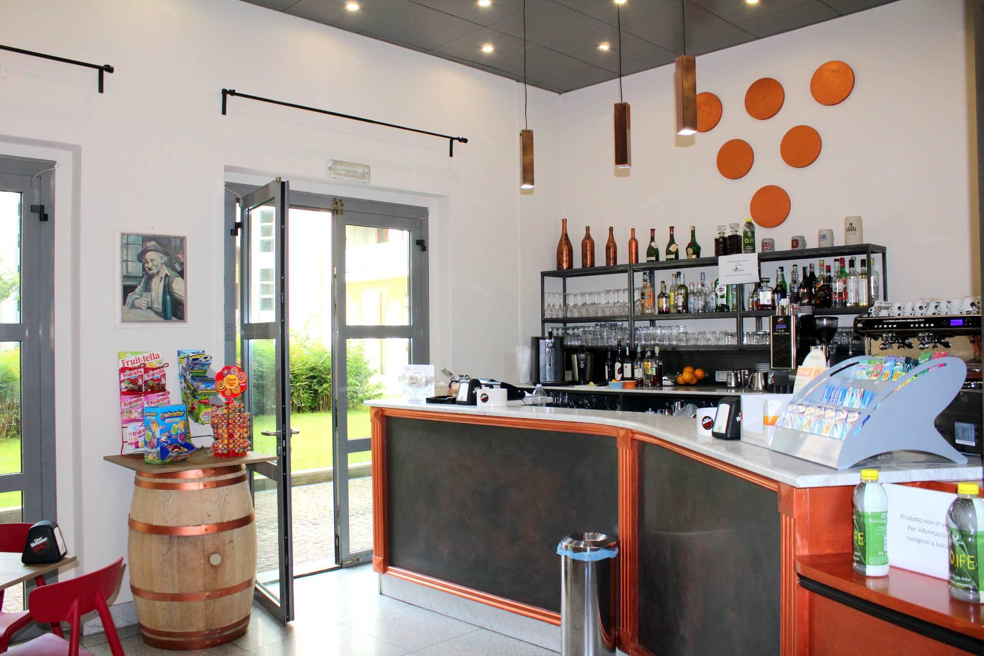 Attività Commerciale - Bar Tavola Calda - Fredda in Affitto/Vendita a Torino