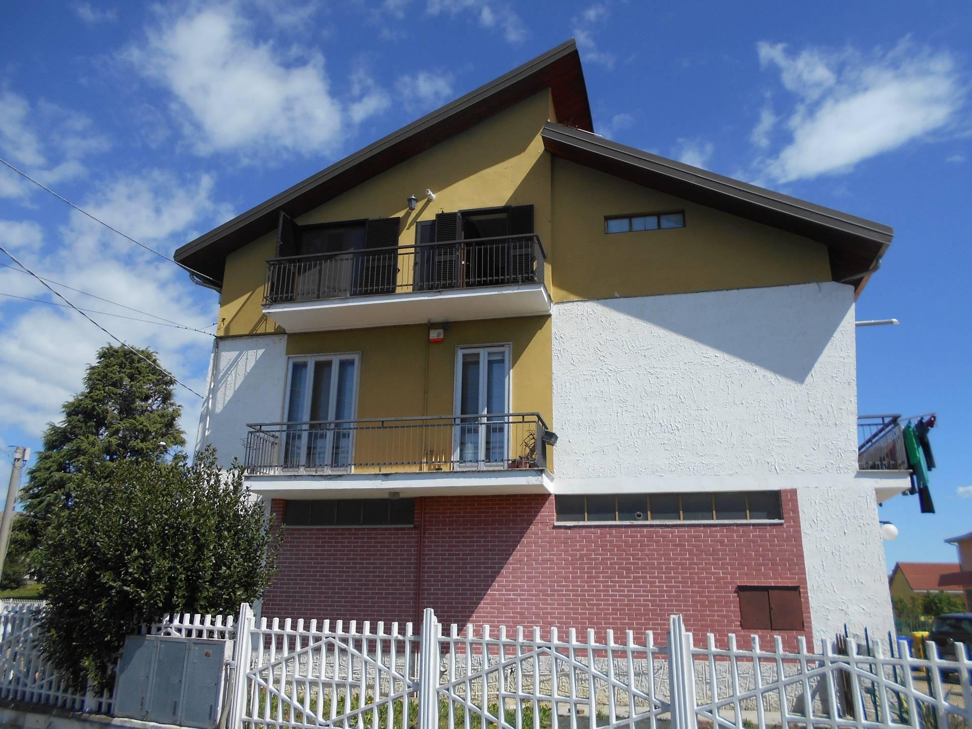 Appartamento in vendita a San Francesco al Campo, 4 locali, zona Località: Tranquilla, prezzo € 99.000 | PortaleAgenzieImmobiliari.it