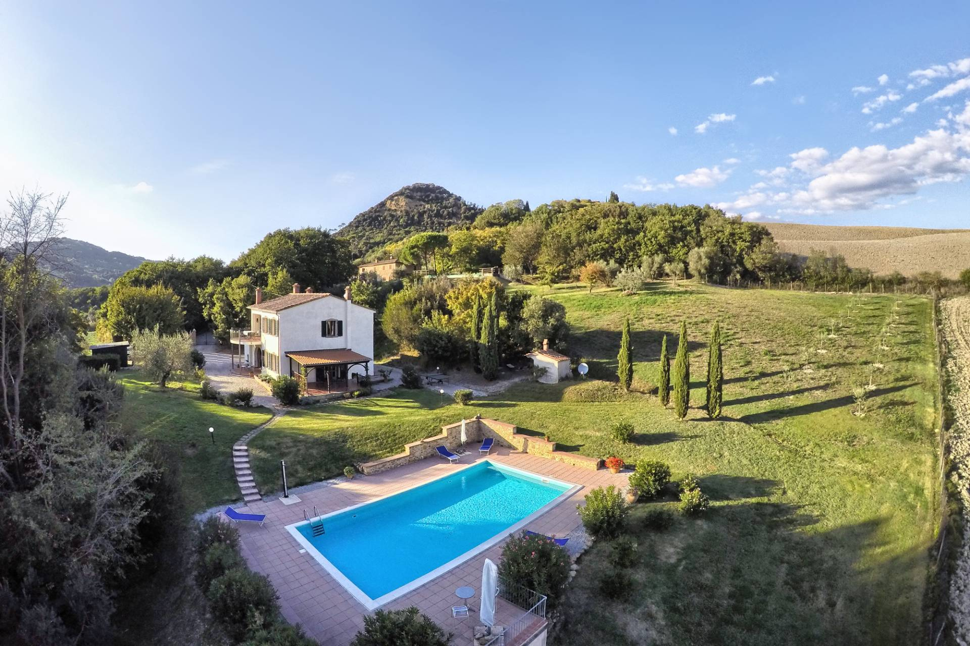 Farmhouse for Sale to Volterra