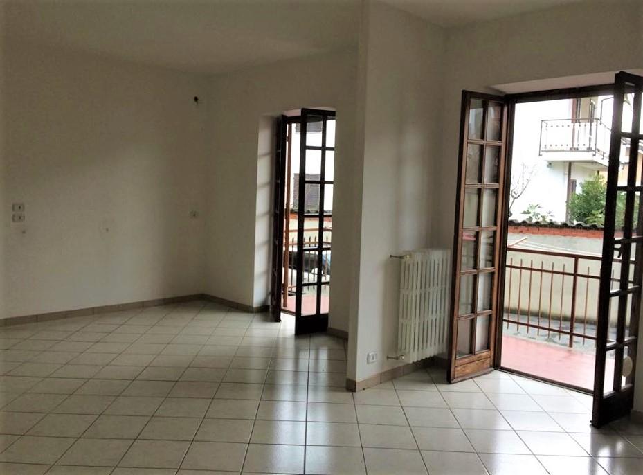 Appartamento in affitto a Piobesi Torinese, 2 locali, zona Località: 1°Cintura, prezzo € 400 | PortaleAgenzieImmobiliari.it