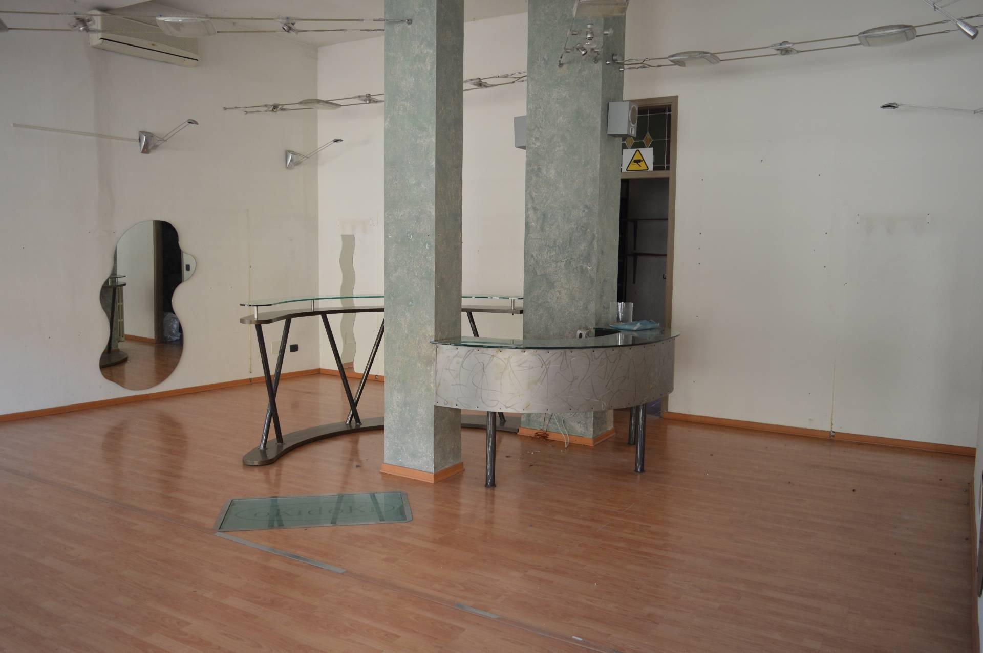 Negozio / Locale in vendita a Caselle Torinese, 9999 locali, prezzo € 82.000 | PortaleAgenzieImmobiliari.it